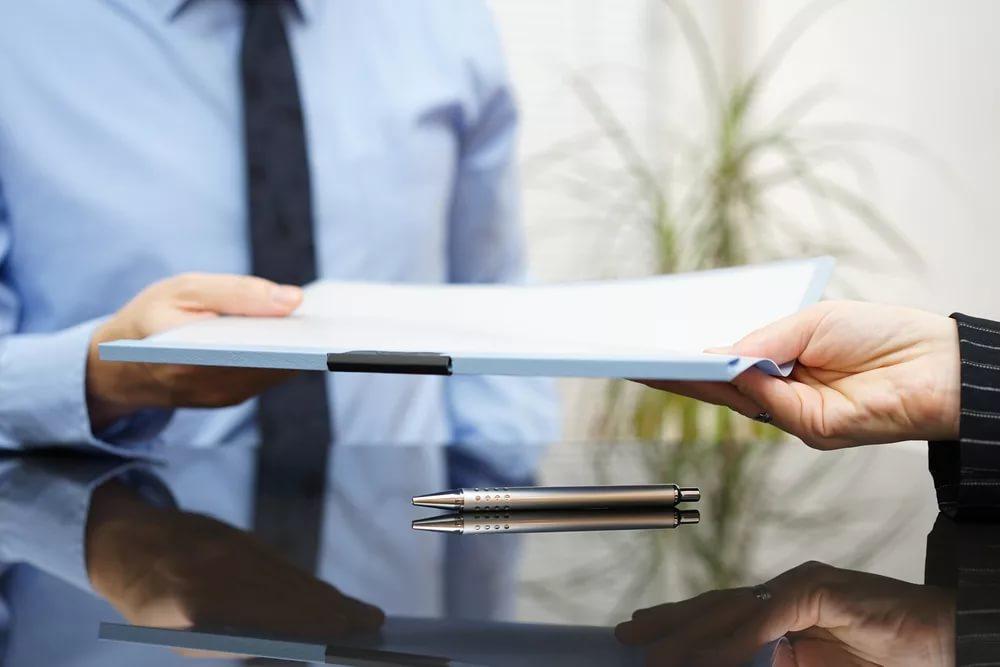sostavlenie-i-ekspertiza-mezhdunarodnyx-kontraktov