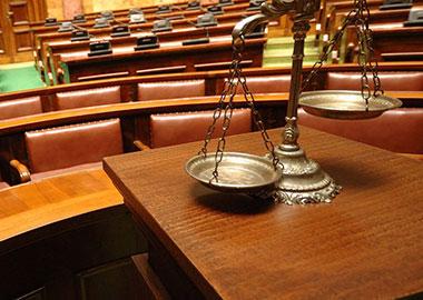 soprovozhdenie-arbitrazhnogo-advokata-v-tretejskom-sude